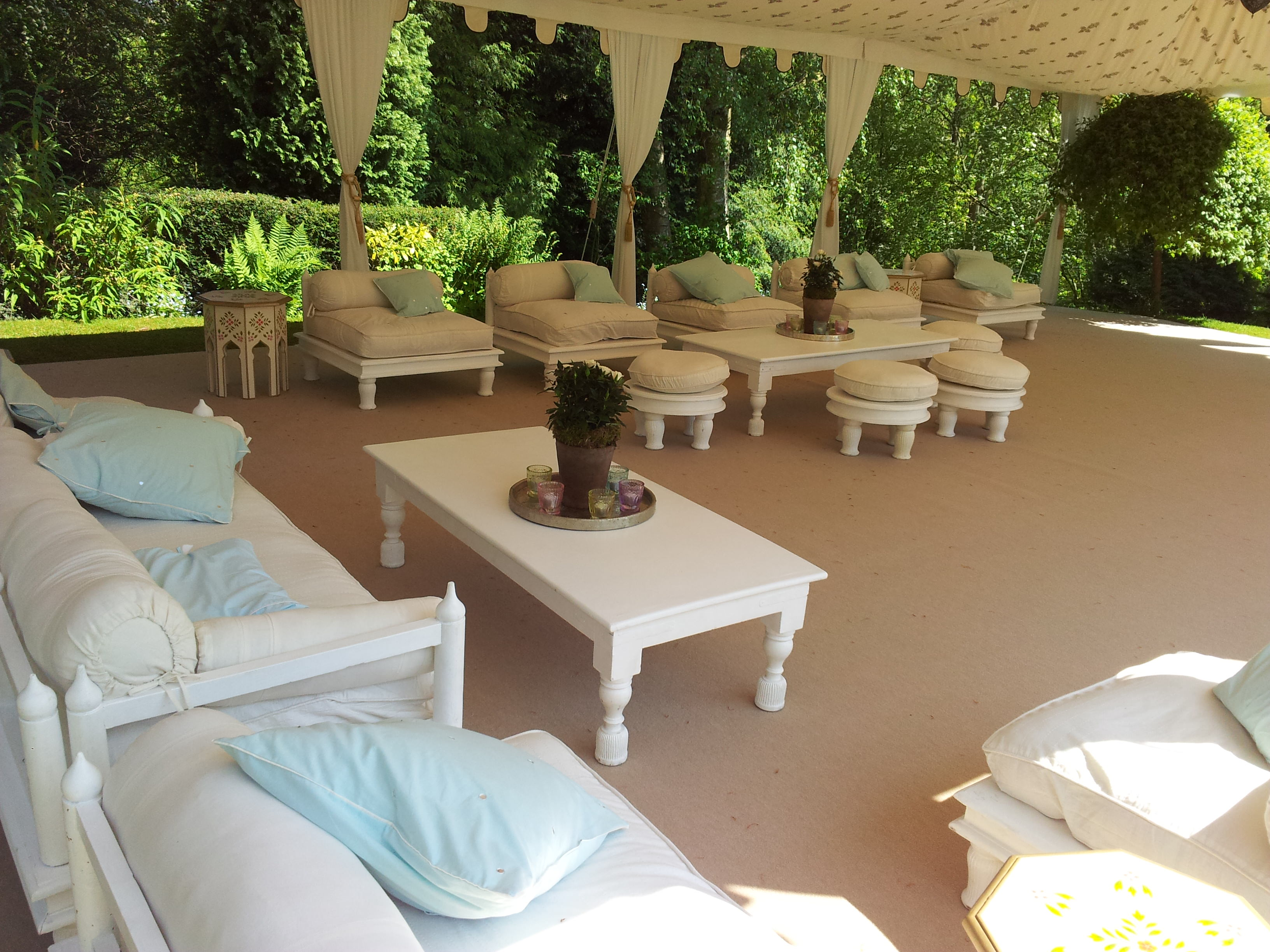 Casual seating in marquee reception